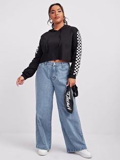 Loose Jeans, Wide Leg Jeans, Mom Jeans Outfit, Cool Outfits, Fashion Outfits, Plus Size Girls, Plus Size Jeans, Jeans For Sale, Fashion News