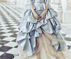 Find images and videos about hollywood, marie antoinette and Kirsten Dunst on We Heart It - the app to get lost in what you love. Cinderella Aesthetic, Princess Aesthetic, Disney Aesthetic, Kirsten Dunst, Marie Antoinette, Euphemia Li Britannia, Have Courage And Be Kind, Sofia Coppola, Versailles