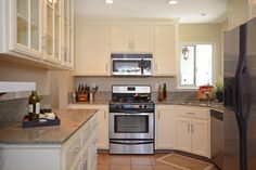 2900LaJolla.com Great kitchen