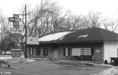 Hi Lo Inn on Douglas in Kalamazoo. A little bar that ended its days as a convenience store.