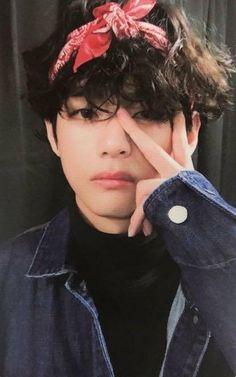 Kim Taehyung, Bts Bangtan Boy, Foto Bts, Daegu, Taekook, K Pop, V Bts Cute, Bts Playlist, Bts Polaroid