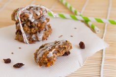 Quinoa Carrot Cake Breakfast Cookies // love this idea; may play around with the recipe a bit