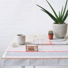 Set of 2 woven placemats LIL + LILA designed by Mae Engelgeer, woven in the Dutch Textile museum -> http://www.wannekes.com/en/dutch-design-tea-towels-tablecloths-kitchen-textile-museum/1769-set-of-2-woven-placemats-lil-lila-mae-engelgeer-textile-museum.html.