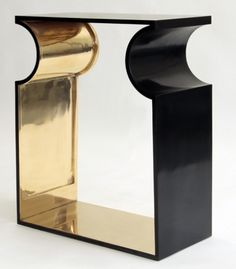 Console Gold Frame