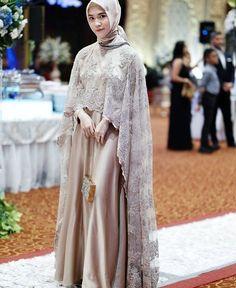 55 ideas for dress brokat tempel Kebaya Muslim, Dress Brokat Muslim, Kebaya Modern Hijab, Dress Brokat Modern, Kebaya Hijab, Kebaya Dress, Muslim Dress, Model Kebaya Brokat Modern, Dress Muslim Modern
