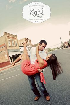 I LOVE this pose!!! I think this would be awesome to do downtown