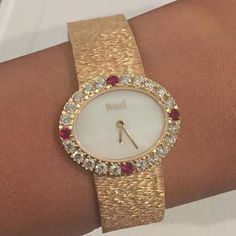 Vintage Piaget jewels on your wrist!