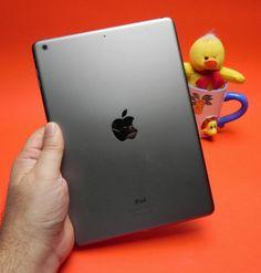 Review iPad Air: singura tabletă cu diagonală mare care rezistă presiunii mini tabletelor; Designul nou impresionează! (Video)