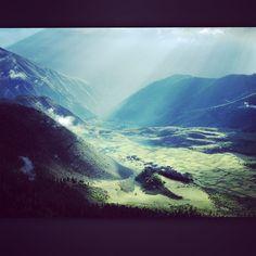 #FiammettaCicogna Fiammetta Cicogna: Un consiglio prima di andare a letto: visualizzate un posto dove volete mandare i vostri occhi durante la notte ✨✨✨ allora ciao eh.. Io vado in Tibet! #buoneabitudini