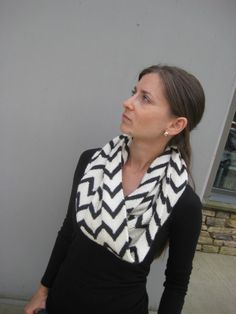 Lucky No 7 zigzag cowl knitting pattern (Etsy instant download)
