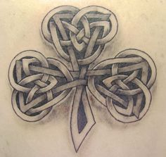 celtic three leaf clover tattoos | Pin Old Irish Gaelic Lettering Tattoo Gallery Tattoos Pinterest