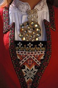 Norway - Solje pins, on hand embroidered festive BUNAD for her region of the nation. Norwegian Clothing, Folk Costume, Costumes, Beautiful Norway, Hardanger Embroidery, Ethnic Dress, My Heritage, Ethnic Fashion, Traditional Dresses