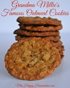 My Grandma Millie's Famous Oatmeal Cookies! If there was one recipe that I came close to never sharing with anyone, this would be it. but then I thought, what better way for my grandmother's memory to live on than with her famous cookie recipe? Candy Cookies, No Bake Cookies, Cookies Et Biscuits, Yummy Cookies, Yummy Treats, Sweet Treats, Carmel Cookies, Oatmeal Biscuits, Oat Cookies