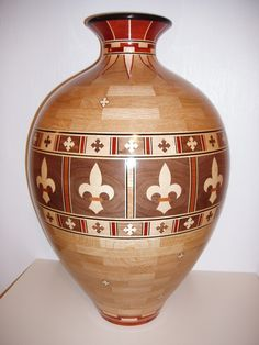 Fleur de Lea Vase Segmented Turning, Wood Turning Projects, Wood Projects, Wood Lathe, Garage Workshop, Gourd Art, Turned Wood, Blacksmithing, Woodworking Projects