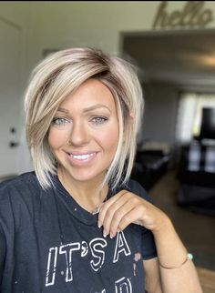 Hair Color And Cut, Haircut And Color, Short Sassy Haircuts, Short Hair Cuts, Love Hair, Great Hair, Medium Hair Styles, Short Hair Styles, Hair Affair