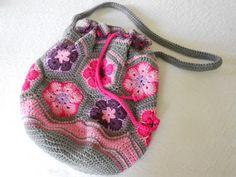 African Flower Bag - free crochet pattern using 12 hexagons