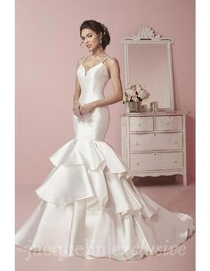 Jacquelin 19066-wedding-dress. Available @ Low's Bridal.
