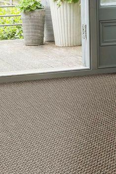 Alternative Flooring Sisal Bubbleweave Pewter Bubble looks stunning as a bespoke natural fibre rug or hallway runner. Basement Carpet, Carpet Stairs, Carpet Flooring, Home Carpet, Diy Carpet, Rugs On Carpet, Cheap Carpet, Wall Carpet, Carpet Decor