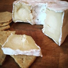 This cheese from @cowclosefarm is truly amazing. Left to get to room ...