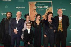 De verfilming van Tom Lanoyes roman 'Sprakeloos' gaat in eindelijk in première. Dit gebeurde op 6 maart te Sint-Niklaas. De 8 zalen waren onmiddellijk uitverkocht, dit zorgde voor een opkomst van ruim 2000 mensen. Het is een film met een sterke emotionele waarde, zeker omdat de relatie van Tom Lanoye met zijn moeder hier naar voren wordt gehaald.