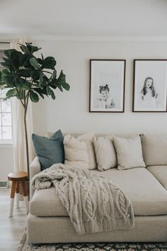 minimal living room kids photos greenery interior decor decorating design white sofa, neutral living room design with fiddle fig, modern family room design My Living Room, Home And Living, Living Area, Living Room Furniture, Modern Living, Minimal Living Rooms, Small Living, Spacious Living Room, Modern Family