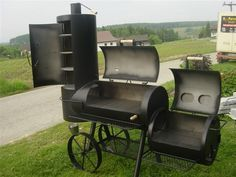 Joe`s Barbeque Smoker Catering Grill