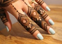 Unique Finger Mehndi Designs That You'll – Henna Bloq Latest Finger Mehndi Designs, Rose Mehndi Designs, Modern Mehndi Designs, Mehndi Designs For Girls, Mehndi Design Photos, Mehndi Designs For Fingers, Henna Designs Easy, Fingers Design, Henna Tattoo Designs