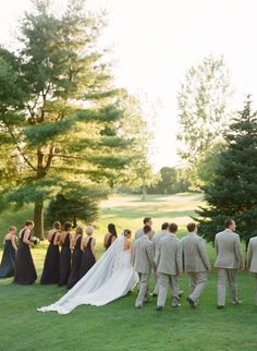 Photography: The McCartneys Photography - www.meetthemccartneys.com  Read More: http://www.stylemepretty.com/2015/04/02/elegant-country-club-wedding-3/
