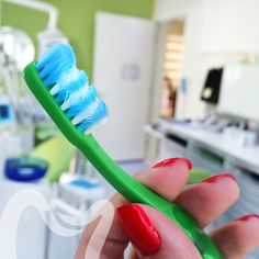Beginning to fray? Throw it away! #oralhealth