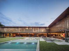 jacobsen-arquitetura-gaf-house-sao-paulo-brazil-designboom-02  ~ Great pin! For Oahu architectural design visit http://ownerbuiltdesign.com