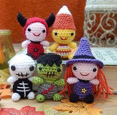Minimals - Teeny Halloweeny by Moji-Moji Design. $5.00 for pattern 3/15.