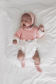 Look Cata | Mamamadejas The Babys, Looks Style, Little Ones, Kids Fashion, Crochet Hats, Knitting, Children, Outfits, Clothes