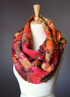 Farb-und Stilberatung mit www.farben-reich.com - warm colors felted scarf: