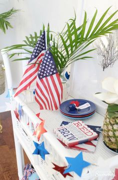 Red, White & Brew Bar Cart Decor — House Full of Summer - Coastal Home & Lifestyle Bar Cart Decor, Bar Cart Styling, Patriotic Decorations, Table Decorations, Red White And Brew, Brew Bar, Modern Contemporary Homes, Vintage Theme, Cool Furniture