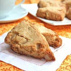 White Chocolate Macadamia Nut Scones - an indulgent breakfast that's actually healthy.