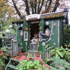 A very tiny house made of recycled materials by my boyfriend. #tinyhouse #houseonweels #homeonweels #tinyhome #tinyhouselife #tinyhouselifestyle #tinyhomelife #tinyhomelifestyle #bohemian #bohemianlife #bohemianlifestyle #gypsy #gypsystyle #gypsystuff #gypsyhouse #boho #boholife #boholifestyle #recycling #recycledmaterials #recycled #scrapwood #sustainable #sustainedlife #sustainablelife #hippie #hippy #artisticlifetyle #artisticlife