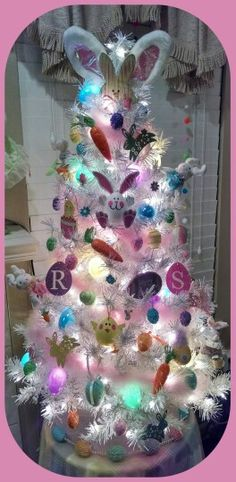 I do that for the kids with my white Christmas treeI do that for the kids with my white Christmas treeEaster decoration, Easter tree, Ba Bam wreaths DIY mini carrot Easter tree decorationsDIY Mini Carrot Christmas Tree Pictures, Cool Christmas Trees, Christmas Tree Themes, Holiday Tree, Christmas Tree Ornaments, Christmas Crafts, White Christmas, Crochet Christmas, Modern Christmas