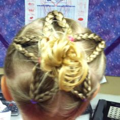 Cute star braid - I think this would be great for little girls baptism hair!