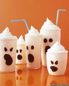 Boo-Nilla Shake Recipe - a perfect Halloween treat - I want to draw ghosts on all my glasses.