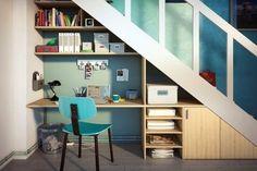 Un coin bureau sous l'escalier