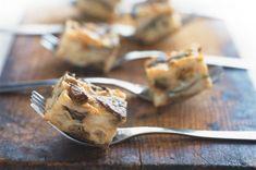 Krkonošský houbovec Pie, Desserts, Food, Torte, Tailgate Desserts, Cake, Deserts, Fruit Cakes, Essen
