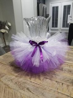 Lavendet and purple vase tutu skirt. Lavendet and purple vase tutu skirt. Wedding Vase Centerpieces, Wedding Shower Decorations, Baby Shower Centerpieces, Decoration Party, Purple Party Decorations, Tulle Centerpiece, Diy Quinceanera Decorations, Tutu Decorations, Tutu Rock