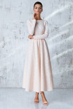 Платье «Аэлита» миди, Розовое кружево, Цена — 29 990 рублей