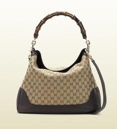 Gucci - Diana Shoulder bag with Bamboo detail - Classic wardrobe essential Guccio Gucci, Gucci Black, Gucci Handbags, Replica Handbags, Ladies Handbags, Gucci Bags Outlet, Diana, Chanel Online, Gucci Bamboo