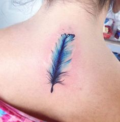 ideas tattoo feather flower water colors for 2019 Feather Tattoo Design, Feather Tattoos, Foot Tattoos, Forearm Tattoos, Finger Tattoos, Feather Art, Blue Feather, Sleeve Tattoos For Women, Tattoos For Women Small