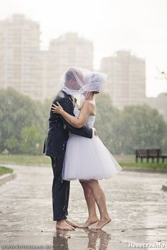 Romantic fall wedding in montreal from isabelle paille rain romantic fall wedding in montreal from isabelle paille rain galleries and wedding day junglespirit Choice Image