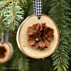 DIY these beautiful simple rustic handmade ornaments from birch wood slices and pine cones - Perfect rustic Christmas tree decorations Farmhouse Christmas Ornaments, Pinecone Ornaments, Handmade Christmas Tree, Christmas Ornaments To Make, How To Make Ornaments, Christmas Diy, Homemade Ornaments, Diy Ornaments, Homemade Christmas