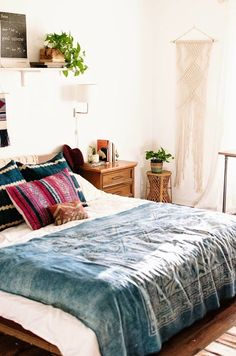 This bed is so pretty! I love the color scheme and all of the textures.   #bedroomgoals #inspiration