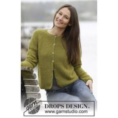 """Sweet Olivia Cardigan - Knitted DROPS jacket in garter st with raglan, worked top down in """"Alpaca"""". Size: S - XXXL. - Free pattern by DROPS Design Strickjacke von oben nach unten Sweet Olivia Cardigan pattern by DROPS design Ladies Cardigan Knitting Patterns, Knit Cardigan Pattern, Vest Pattern, Knitting Patterns Free, Knit Patterns, Free Knitting, Free Pattern, Alpaca Cardigan, Cardigan Design"""