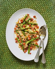 With simple, easy-to-prepare ingredients this warm salad recipe can be whipped up in no time, making it a great healthy midweek meal option. Warm Salad Recipes, Couscous Recipes, Dinner Recipes, Healthy Recipes, Free Recipes, Healthy Food, Yummy Food, Chorizo Recipes, Midweek Meals